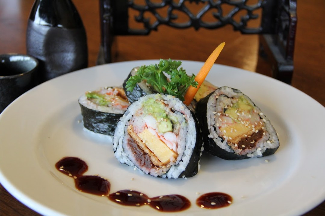 TOMOMI_Sushi_roll